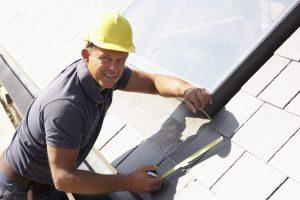 roofing contractors inspecting grosse pointe, mi roof
