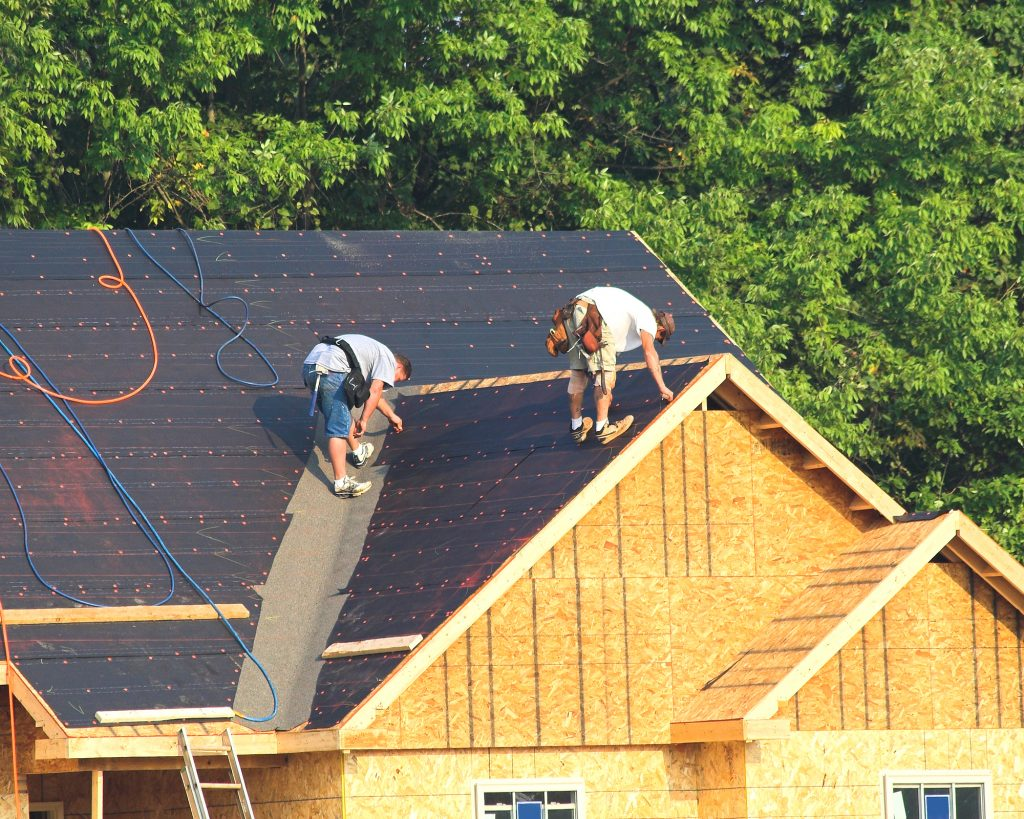 residential roofer contractors in grosse pointe mi install roofing